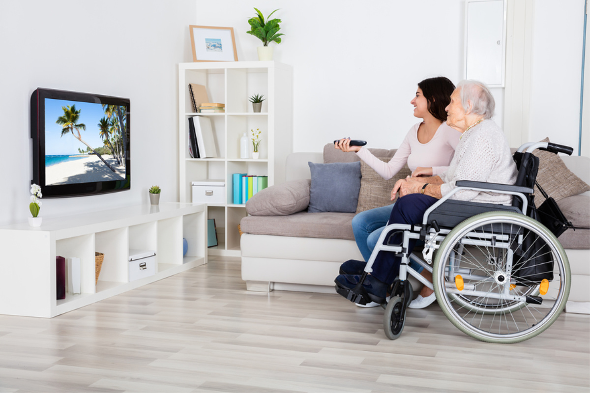 Home Care in Lincoln CA: Visiting Your Senior